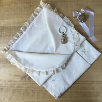 Arrullo bordado o mini colcha de ceremonia
